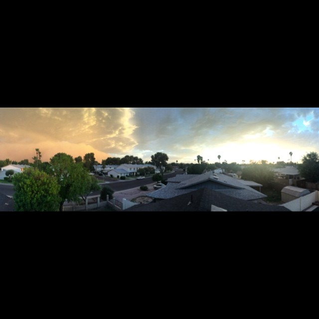 Rooftop #panorama of the calm before the #storm! #arizona #duststorm #haboob #tempe