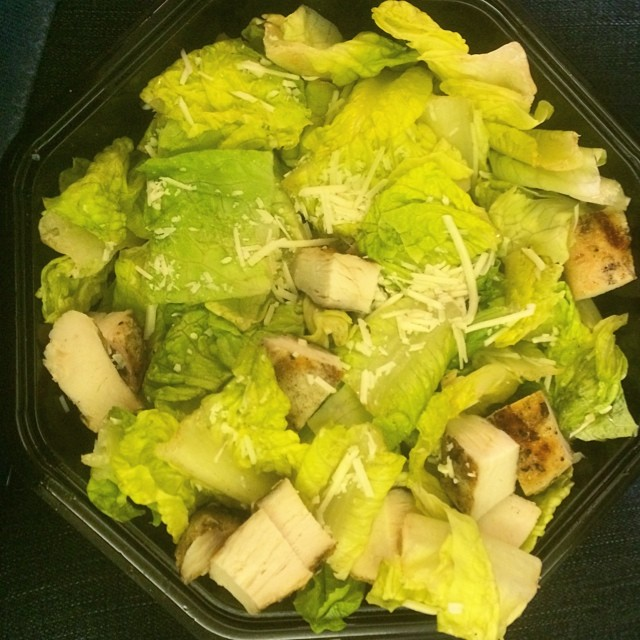 The less glamorous side of traveling all the time and trying to be fit... eating at airports. I present you a $12 salad of sadness. Down the hatch... #struggleplate #blech